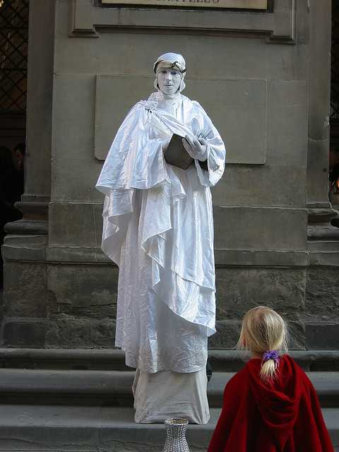 Living statues Italy