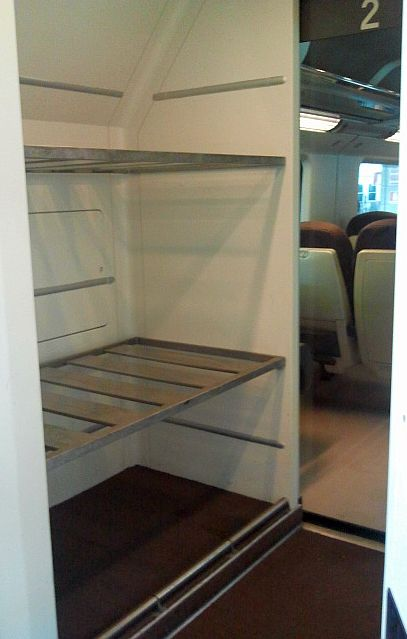 Italy train travel, train luggage storage