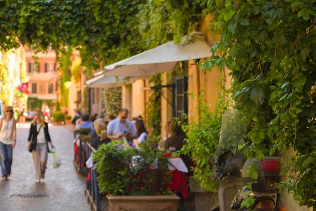 Your Roman Holiday: Experience Vintage Glamour in Rome