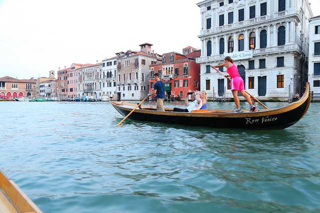 Rowing lessons, Venice Italy